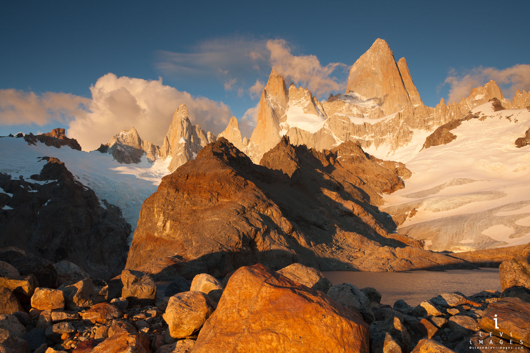 Mount Fitzroy just after sunrise. Laguna de los Tres, Los Glaciares National Park, Patagonia, Argentina